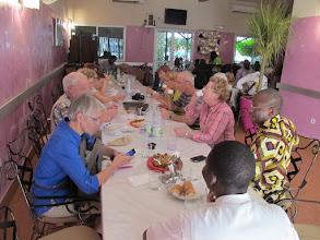 Photo: Sn4HR0304-160203Thies, resto'Big Faim', table avec Toussaint Ouologuem, prêtre Malien, invité par JASagna IMG_0274