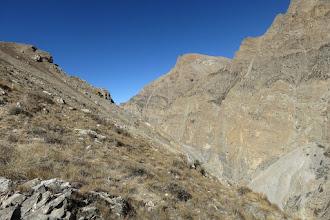 Photo: Dans la montée sur la pente herbeuse