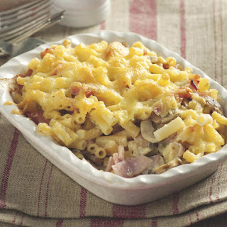 Cheesy Macaroni with Ham and Mushrooms