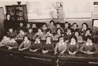 Photo: Klasa III + IV Rok szkolny 1977 78 z wychowawcą klasy P.Genowefą Aksamit.  Zdjęcie udostępnione prze P.Ewe Aksamit.