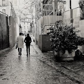 De paseo by Luis Orchevecs Ferenczi - City,  Street & Park  Street Scenes