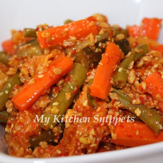 Nyonya Acar/Spicy Pickle Vegetables