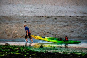 Photo: Bei einem anhaltenden Wassermangel nützt ein Segelbott nicht mehr viel.  Meer, Landschaften und Kunst: http://goo.gl/ITvFrA