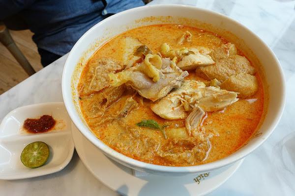 台北南港中信金融園區。金爸爸PappaRich馬來西亞餐廳