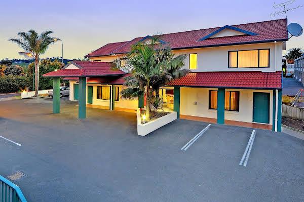 Academy at Botany Motor Inn