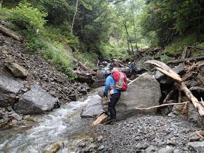 Photo: 堰堤から初めの大滝までは倒木が多く、体力消耗