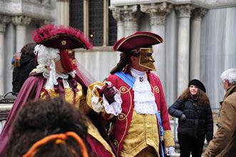 Photo: Carnaval Place Saint Marc - S'il n'y avait pas les touristes omniprésents, on pourrait se projeter à l'époque de la Venise de la Renaissance.