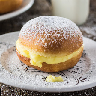 Brazilian Cream Doughnuts