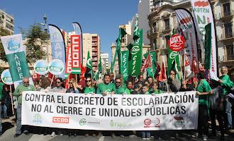 Manifestación contra el nuevo decreto de escolarización
