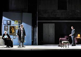 Photo: Theater an der Wien: La mère coupable Oper in drei Akten von Darius Milhaud . Premiere am 8.5.2015. Mireille Delunsch, Andrew Owens, Markus Butter.Copyright: Barbara Zeininger