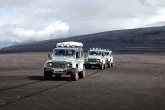 Photo: I nostri Land Rover Defender 110 AT37 a Holuhraun, Altopiani Centrali d'Islanda. www.90est.it