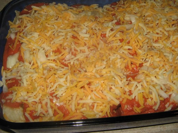 Pour the sauce mixture evenly over the rolls and if you had any meat...