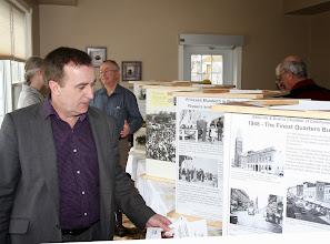 Photo: Belleville Mayor views exhibit
