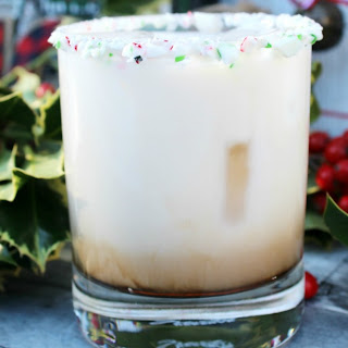 Peppermint White Russian – The Perfect Holiday Cocktail.