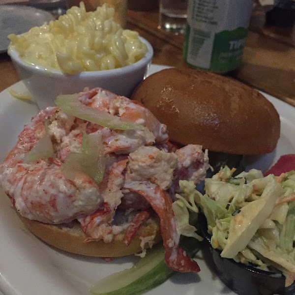 Lobster roll with mac & cheese and slaw - YUM!