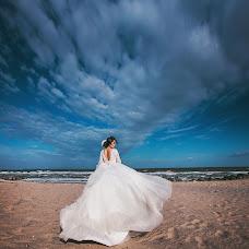 Wedding photographer Viktoriya Dovbush (VICHKA). Photo of 24.10.2015