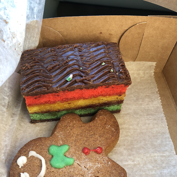 Really  good GF gingerbread man and rainbow cake.