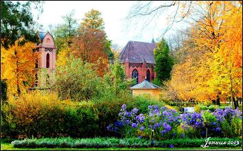 Photo: Mit dem Schlosspark Ludwigslust hinterließen die Hofbaumeister Joachim Busch sowie der königlich preußische Gartendirektor Peter Joseph Lenné ein Meisterwerk der Gartenbaukunst in Norddeutschland.