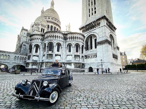 Ballade en voiture ancienne dans Paris