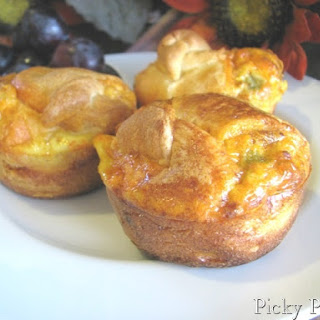 Green Chili and Smoked Cheddar Chorizo Breakfast Cups.