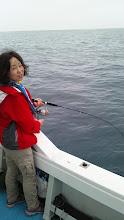 """Photo: しばらく釣りに来れない""""タナカ夫人""""にもヒット!"""