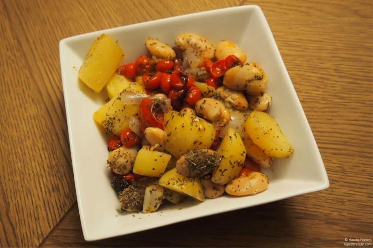 Schotel met tomaten, aardappelen en bonen (Le petit requin)