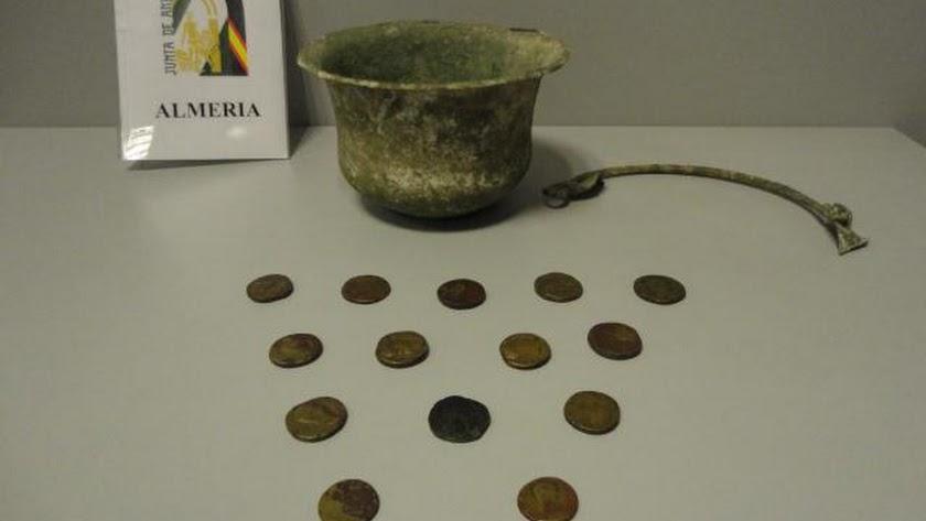 Tesorillo romano y caldero recuperado