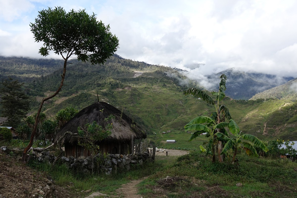 Best Trekking Asia // Baliem Valley Papua Indonesia