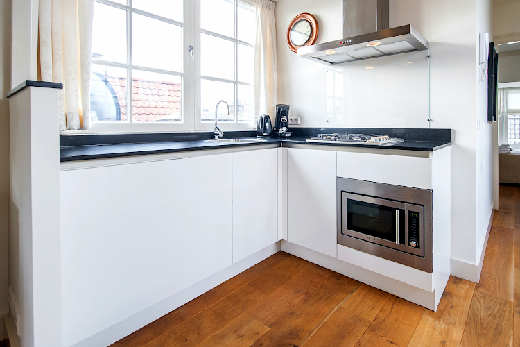 Fully equipped kitchen at Jordaan - Laurierstraat