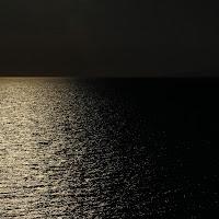 Linea orizzontale in contro luce di