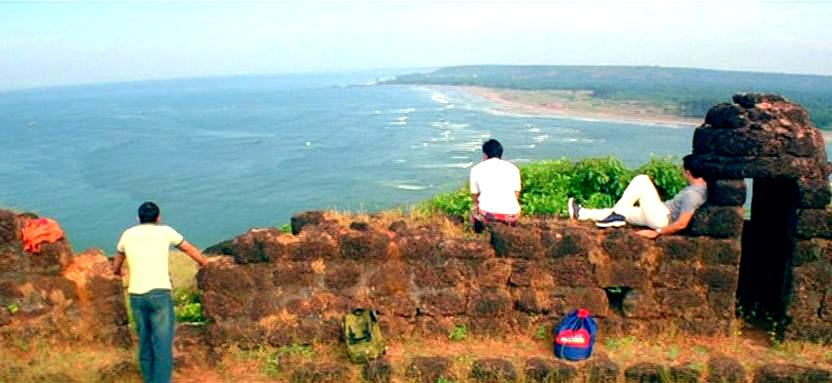 best-bollywood-movies-about-travel_dil_chahta_hai