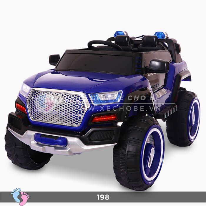 Siêu xe ô tô điện 4 động cơ 198 9