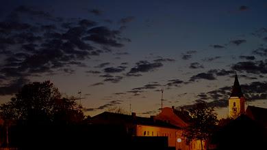 Photo: Abendhimmel in Julbach (Bayern)  PENTAX K-7 ISO 100 Belichtungszeit: 2.5 Sek. Blende: f/1.4 Brennweite: 50mm Datum und Uhrzeit (Original)2011:10:18 19:05:28