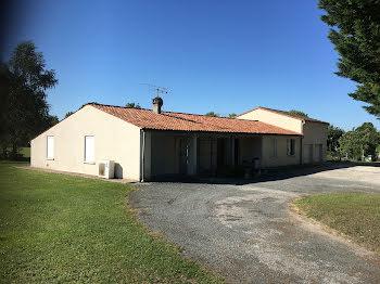 maison à Préguillac (17)