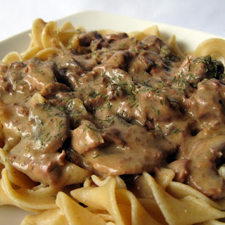 Slow Cooker Simple Beef Stroganoff