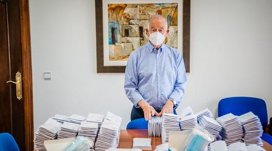 Roquetas envía 40.000 mascarillas y carta de Amat a 10.000 mayores de 65 años