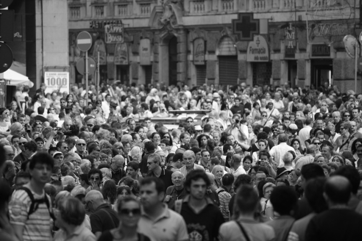 Folla silenziosa di grif091