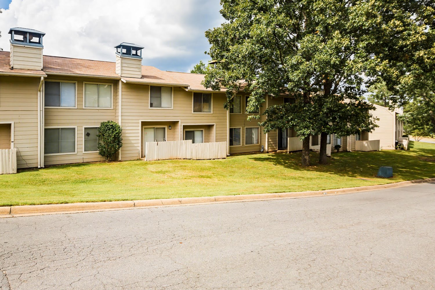 Barrington hills apartments in little rock arkansas for 3 bedroom apartments in little rock ar