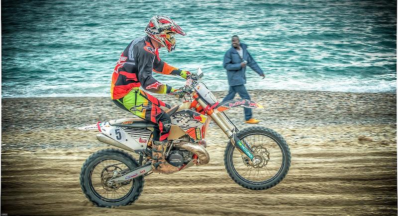 Velocita' sulla sabbia . di renatoxxx