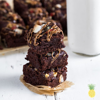 Fluffy Vegan Aquafaba Brownies {Gluten- Oil- & Refined Sugar-Free} Recipe