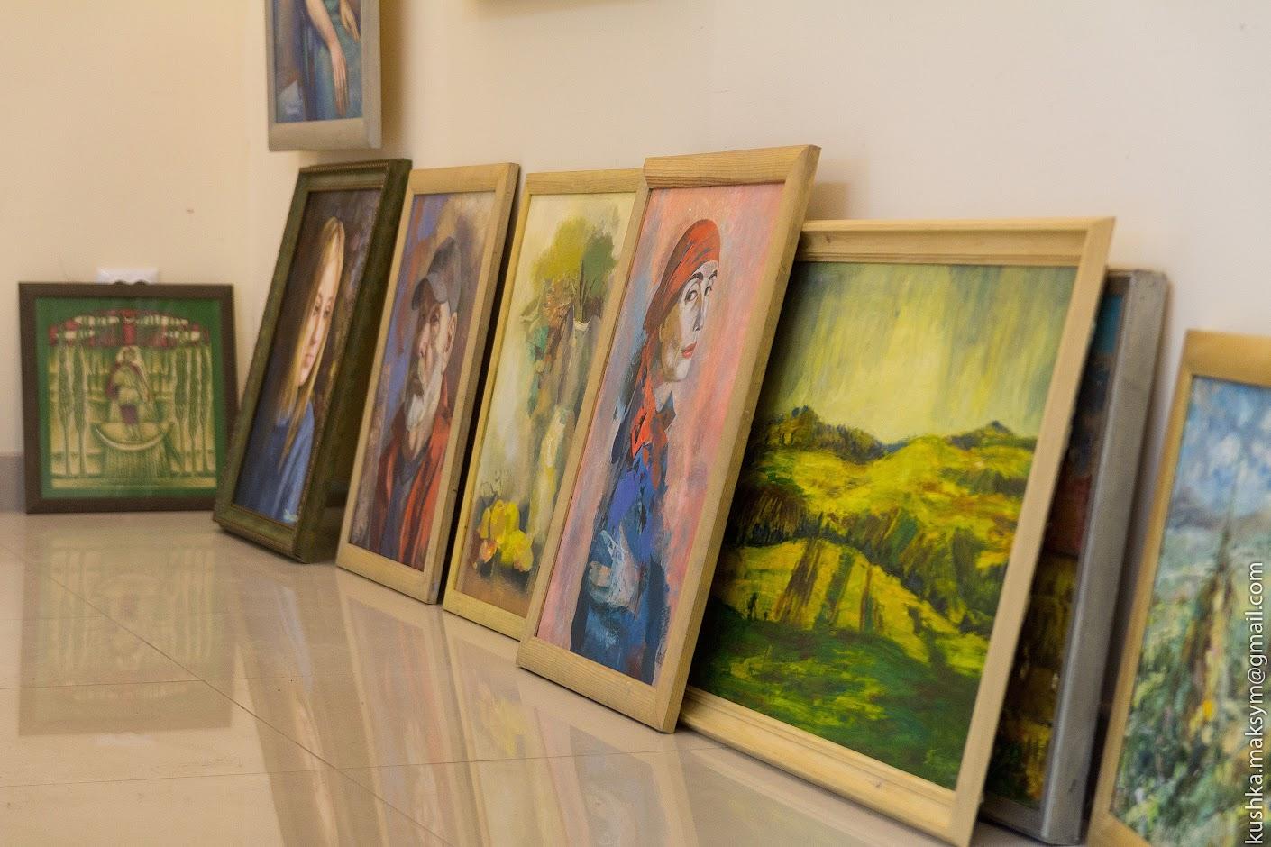 Вінничан запрошують на виставку творів мистецтва до Дня художника
