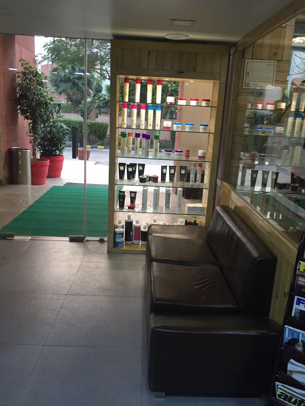 Layers Salon photo