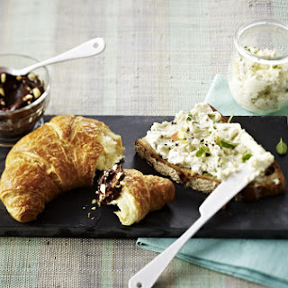 Gorgonzola and Pear Toasts