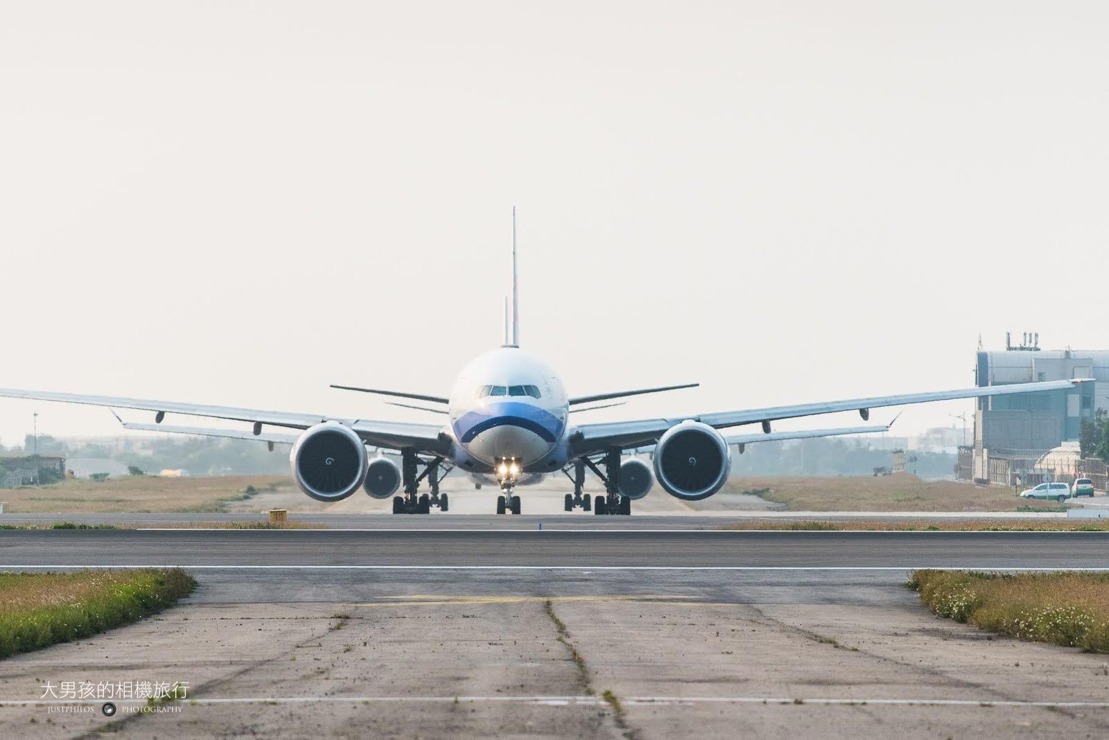 大園戰備聯絡道拍飛機的一大特點就是可從正面拍攝飛機。