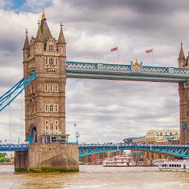 by Graeme Hunter - Buildings & Architecture Bridges & Suspended Structures