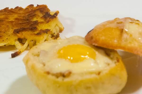 Breakfast Essentials: Hardy Breakfast Bread Bowl Recipe