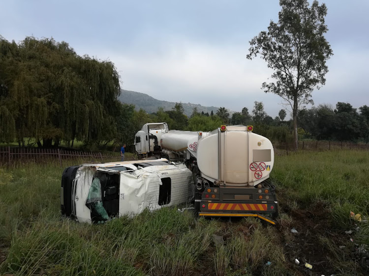 17 people were injured after a taxi and a truck collided in Strubens Valley