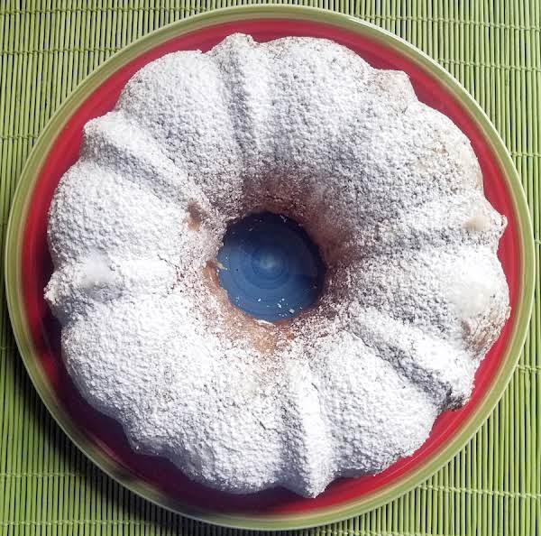 Lemon Banana Bundt Cake Recipe