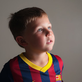 Barcelona by Michael Ripley - Babies & Children Child Portraits ( home studio, flash, off camera, family, umbrella, children, shoot through, barcelona, oscar, portrait, reflector )