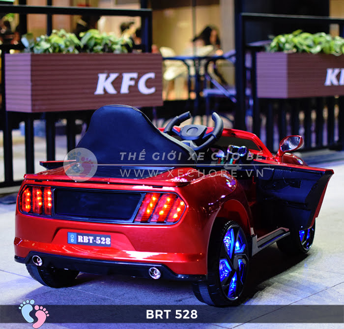 Xe hơi điện cho bé RBT-528 6